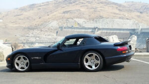 2001 Dodge Viper RT/10 Coupe (2 door)