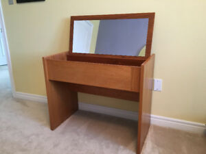 Make up Desk/ Vanity Table