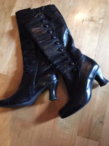 MIZ MOOZ Riding boots.