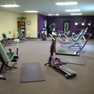New CURVES Purple Fitness Equipment, mats & digital coaches