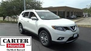 2014 Nissan Rogue SL + NAVI + BLIND SPOT + PANOROOF + ACCIDENT F