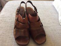 Clarks ladies leather wedge sandles 5 1/2
