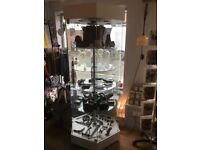 Shop display cabinet with lock shelves are moved manually,