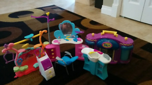 KIDS TOYS : Barbie Salon, PollyPocket, Littlest Pet Shop