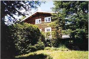 Morin Heights, waterfront log cottage
