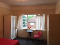 A Lovely Large double room located in North Acton West London, bills included. 8k2, W3 6TX