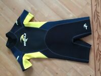 childrens wet suit age7-8 brand new never worn