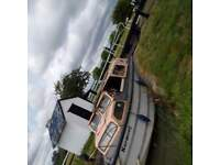 27ft dalescraft and 30ft old broad crusier(project) two boat for sale for £ 6999