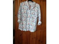 Size 22 country rose shirt new, pretty design of puffins