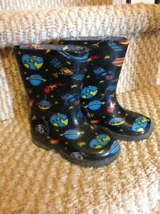 Brand new Size 6 toddler rain boots