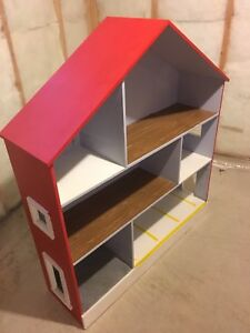 Very Large Wood Toy/Dollhouse