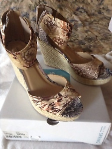 Women's new and gently used shoes *** Ladies sizes 9-10