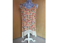 Floral Top - Size 14/16