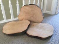 Wood slices used for Wedding centre piece