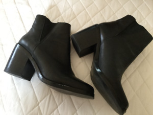 shoes and boots 6.5 - 7 and 8 - Chaussures et bottes femme