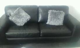 Black leather 3 and 2 seater sofa