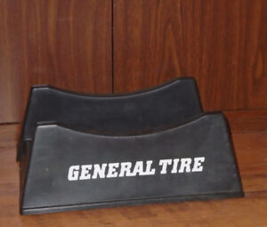 VINTAGE 1970-80s GENERAL TIRE 2-PC ADJUSTABLE PLASTIC TIRE STAND