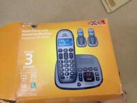 BT XD8500 3 CORDLESS PHONES + ANSWERING MACHINE