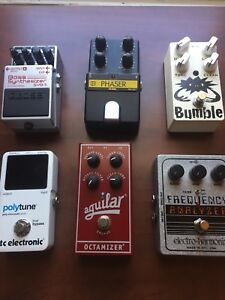 Bass/guitar effects pedals stomp boxes and pedal train with bag