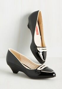 Brand new in box sold out size 7 ModCloth shoes!