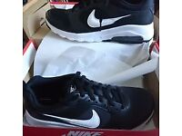 NEW Nike Air Max Motion Trainers - Size 4.5 UK - £65