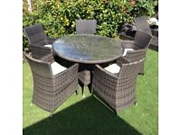 Rattan garden patio/conservatory circular table and 5 chairs £175 Ono tel 07966921804