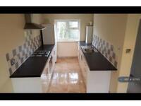 2 bedroom flat in Newton Close, Langley, SL3 (2 bed)