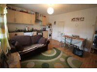 LARGE BEDROOM FLAT - SHERWOOD STREET- AVAILABLE 1st SEPTEMBER