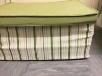 2 cloth storages in very good condition £5