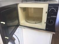 Hitachi microwave in good working order