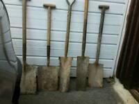 5x Used Shovels