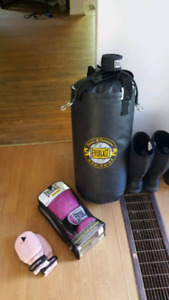 Double end punching bag gloves