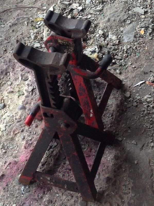 AXEL STANDSin Erith, LondonGumtree - Automotive axel stands max HIGHT is 42 cm east to usetext 07804943028