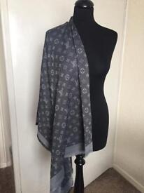 Louis Vuitton grey scarf