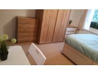 Large double room to rent in flat share