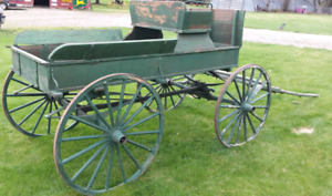 Very nice horse buggy wagon for sale