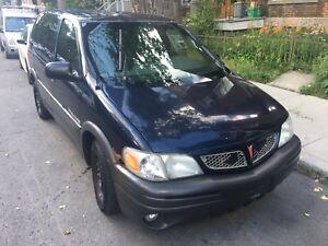 7 place minivan Pontiac 2003