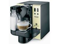 Nespresso Latissima Coffee machine by De'Longhi