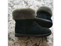 Childrens Black Ugg Boots Infant Size 8 Girls