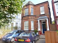 Mount Road, Hendon - Superb 1 bedroom spaciouis flat with own private patio