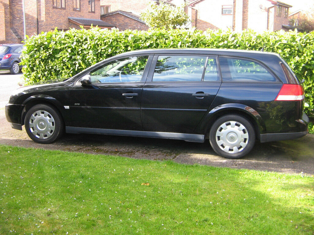 VAUXHALL VECTRA 2.2 ESTATE VERY LOW MILEAGE
