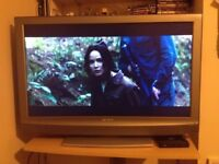 Sony KDL40U2000 - Widescreen Bravia HD Ready LCD TV - With Freeview