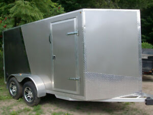 2016 Enclosed V Nose Utility Trailer   MINT CONDITION