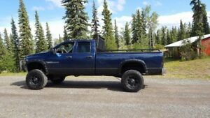 Lifted 2004 Dodge Power Ram 2500 Pickup Truck