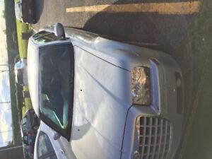 2000$ 2006 Chrysler 300 Gris Berline