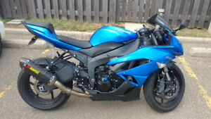 Kawasaki ninja zx6r or will trade for a motor boat