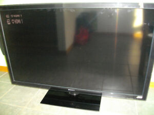 "NON WORKING 52"" Sony Bravia LCD TV $10"