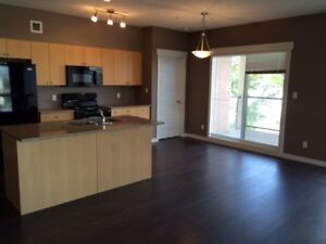 2 bedroom+den apartaments in Oliver Square near McEwan available