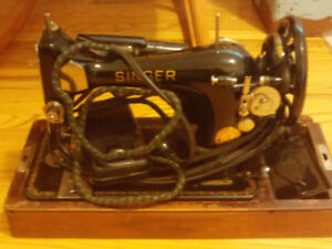 1905 Singer Sewing Machine