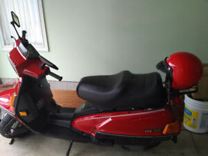 PRICE REDUCED TO SELL!! Like New! Scooter for sale!